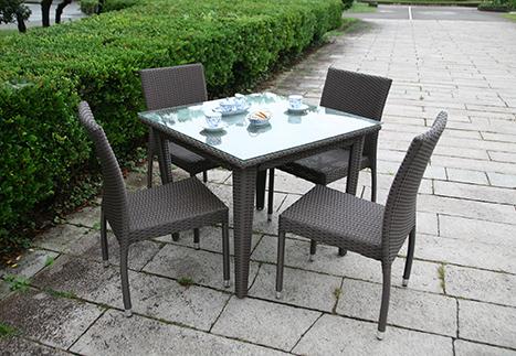 ラタンスクエアテーブル90/ガーデンチェア×4